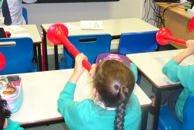 Pupils using pBuzz instruments